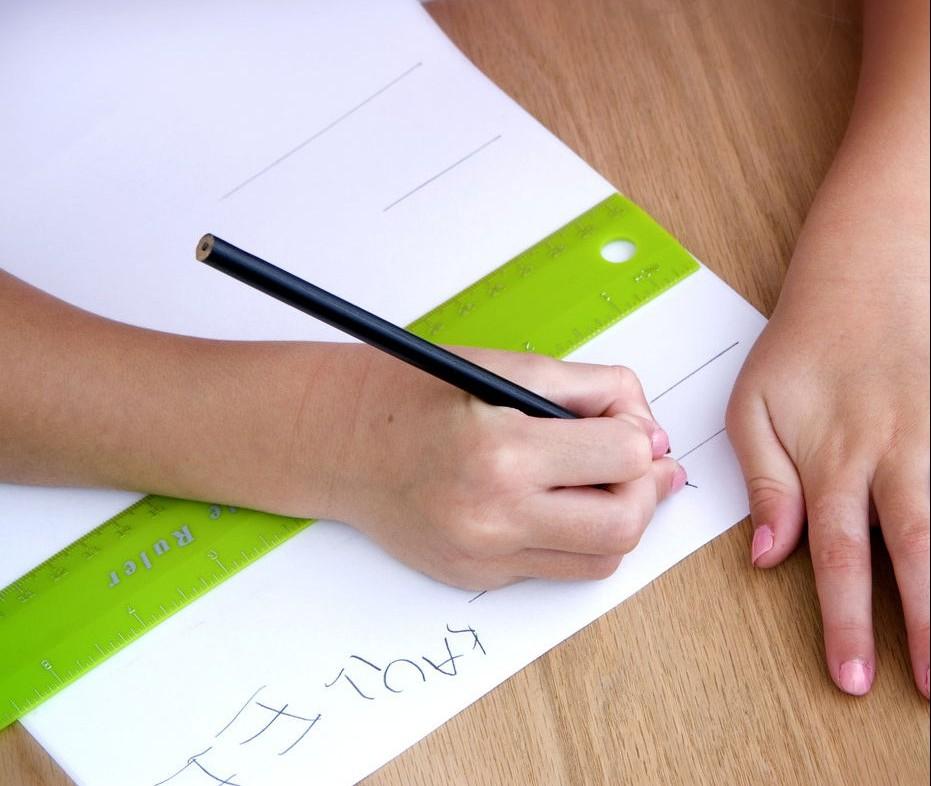 Το παιδί μου δεν κάνει καλά γράμματα: Κολπάκια για να το βοηθήσετε