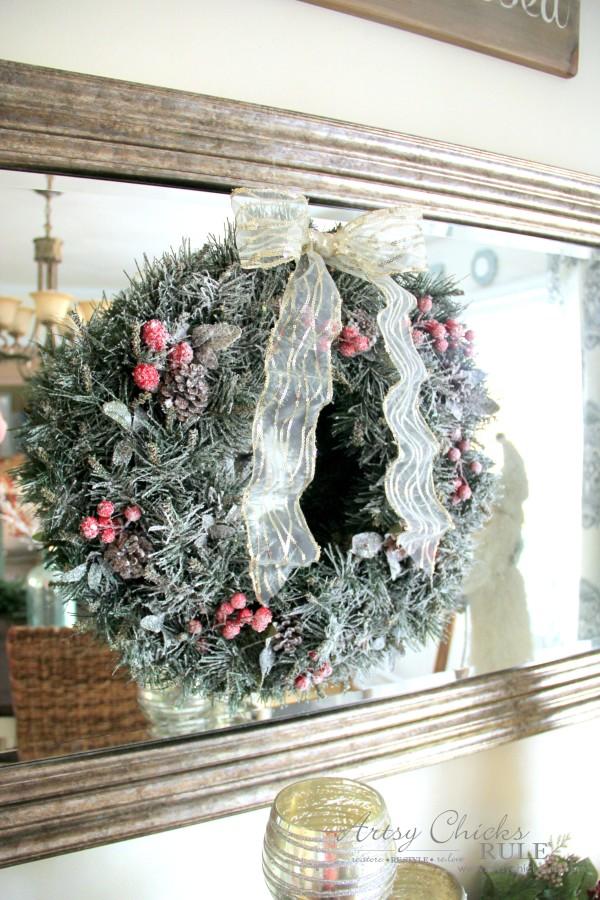 Φτιάξτε ένα όμορφο Χριστουγεννιάτικο χιονισμένο στεφάνι