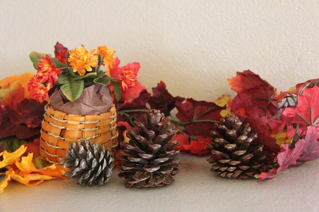 Αρωματικά κουκουνάρια : Πώς να φτιάξετε αρωματικά κουκουνάρια κανέλας για να μυρίσει το σπίτι Χριστούγεννα