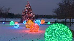 Φτιάξτε μόνες σας τις πιο λαμπερές τεράστιες χιονόμπαλες για τα Χριστούγεννα!