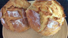 Φτιάξε ψωμί χωρίς μαγιά (με σόδα) σε μισή ώρα με μόλις 5 υλικά.