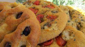 Fougasse (Φουγκάς),παραδοσιακό ψωμάκι της Προβηγκίας