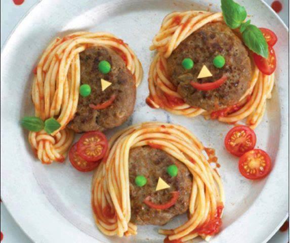 Τι θα φάμε αύριο μαμά ;Μπιφτεκακια με μακαρόνια για να τα τρελάνετε!