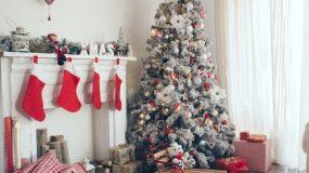 Πώς να κάνεις χώρο στο σπίτι σου για να... βάλεις το χριστουγεννιάτικο δέντρο!
