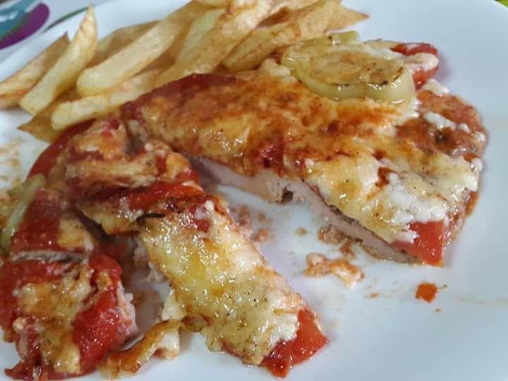 Χοιρινό σνιτσελ στο φούρνο σαν πίτσα!