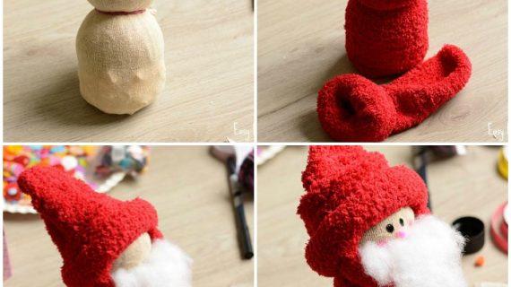 Παίρνει κάλτσες και φτιάχνει τον πιο χαριτωμένο Άγιο Βασίλη!