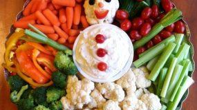 Πως θα στολίσετε τις χριστουγεννιάτικες σαλάτες σας