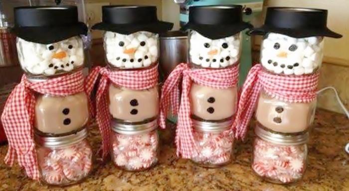 Χριστουγεννιάτικοι χιονάνθρωποι από βαζάκια  μπαχαρικών