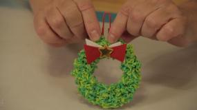 Φτάξτε ενα Χριστουγεννιατικο στεφάνι με ρύζι και κόλλα!
