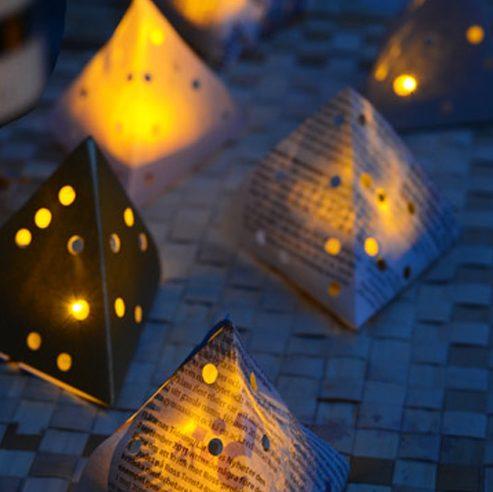Μικρά φωτεινά Χριστουγεννιάτικα χάρτινα τρίγωνα -ΚΑΤΑΣΚΕΥΗ