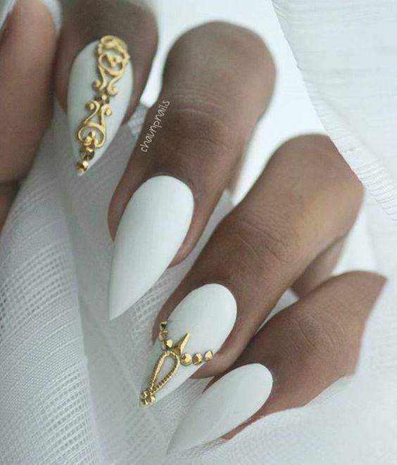 Κάντε λευκά τα νύχια σας και ξεχωρίστε!