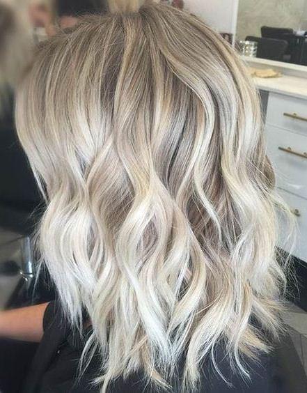 20 φανταστικά χτενίσματα για μαλλιά στο μήκος των ώμων - Daddy-Cool.gr aa367cd65b8