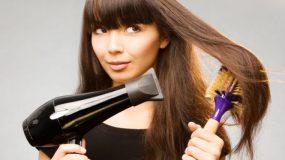 7 συμβουλές για να στεγνώνετε τα μαλλιά σας με πιστολάκι, χωρίς να τα καταστρέφετε!