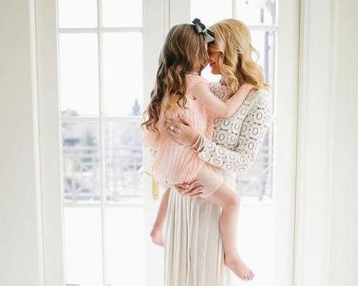 Το ξέρατε ότι ένα απλό τηλεφώνημα μιας μαμάς προς το παιδί της ανακουφίζει όσο η αγκαλιά της;