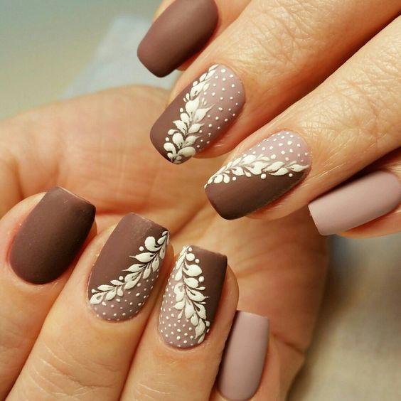 Φανταστικές ιδέες για καφέ νύχια!