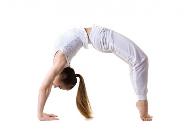 7 στάσεις της yoga που θα απογειώσουν το στήθος σας