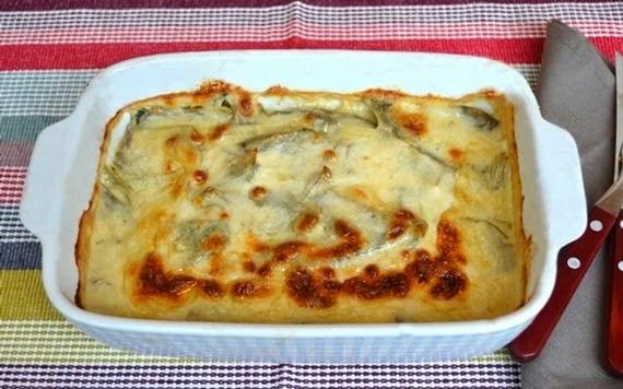 Σουφλέ με αγγινάρες μπεικον και τυρί