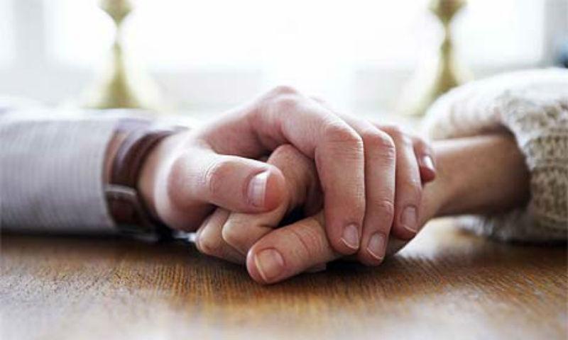 Η επιστολή ενός συζύγου στη γυναίκα του: «Είσαι γενναία και σε θαυμάζω!»