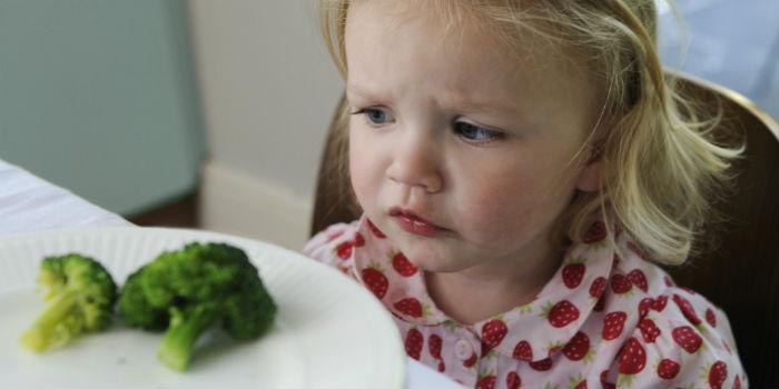 Πώς να πείσω το παιδί μου να δοκιμάσει ένα φαγητό;