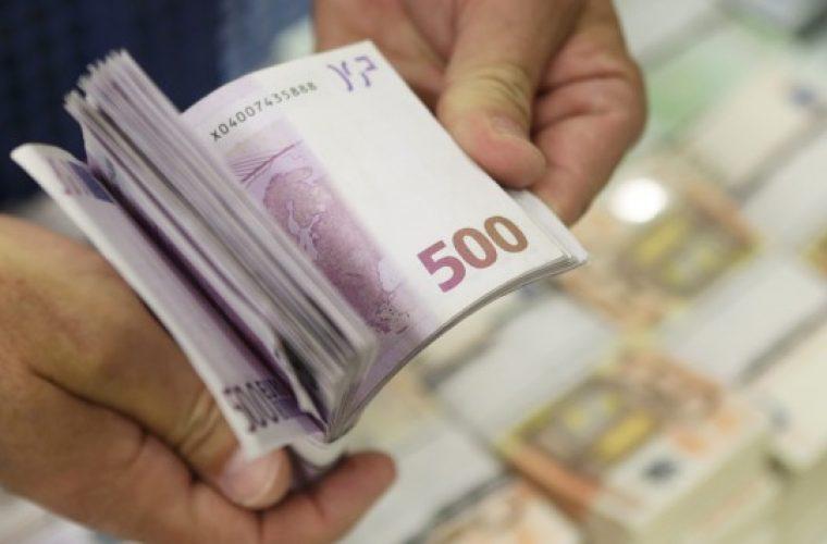 ΣΟΚ: Επιχείρηση στην Ελλάδα κλείδωσε 300 εργαζόμενους για να υπογράψουν συμβάσεις πείνας χωρίς δικαιώματα