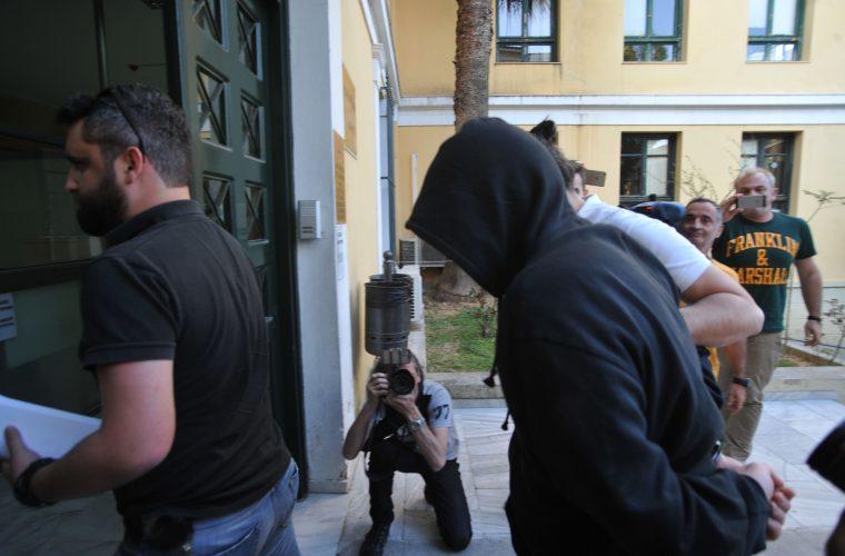 Ένταση και κλάματα στη δίκη του «δράκου» του Αμαρουσίου – Συγκλονίζουν τα θύματα του