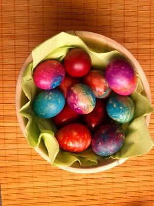 Διακόσμηση αυγών με κλωστές φλος