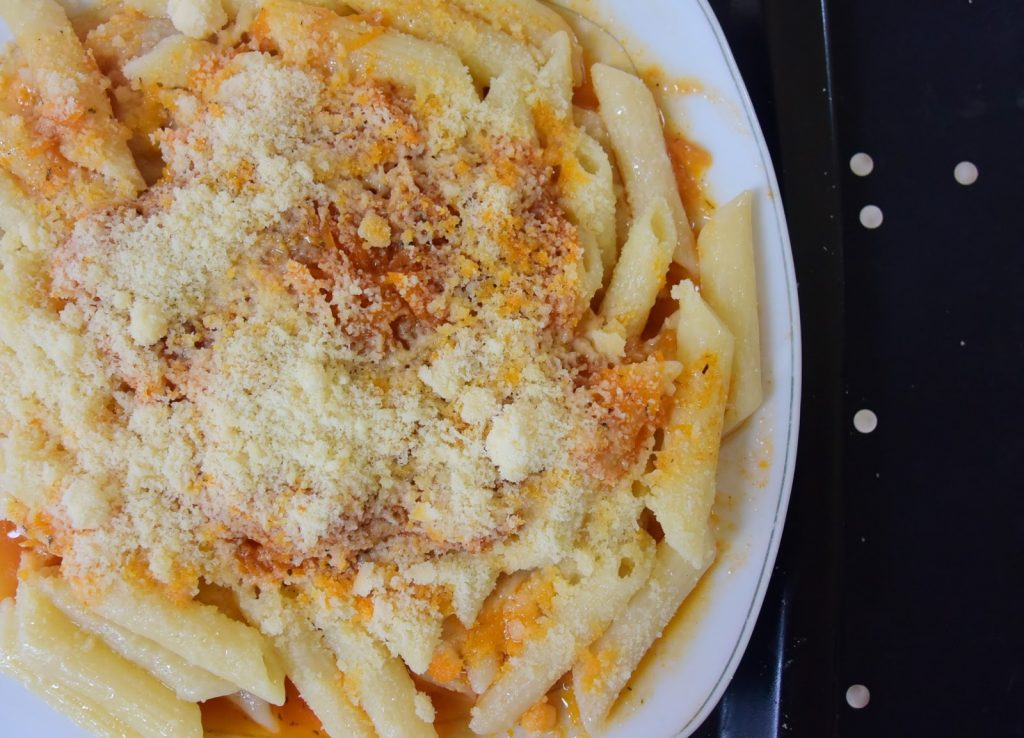Νηστίσιμα μακαρόνια με σάλτσα καρότου