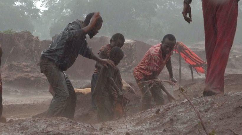 Παιδάκια επτά χρονών σκλάβοι στα «ορυχεία των smartphones»