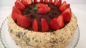 Σοκολασμένη νηστίσιμη τούρτα φράουλα ΧΩΡΙΣ ίχνος λαδιού
