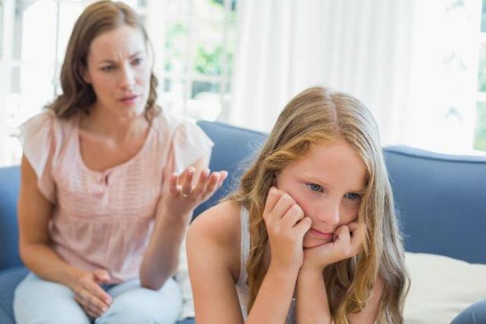 7 χρυσές συμβουλές για τους γονείς: Τι πρέπει να γνωρίζετε για τα καταπιεσμένα παιδιά