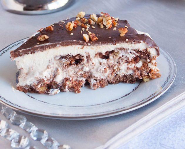 Τούρτα με  κρέμα ζαχαρούχου και γκανάζ σοκολάτας