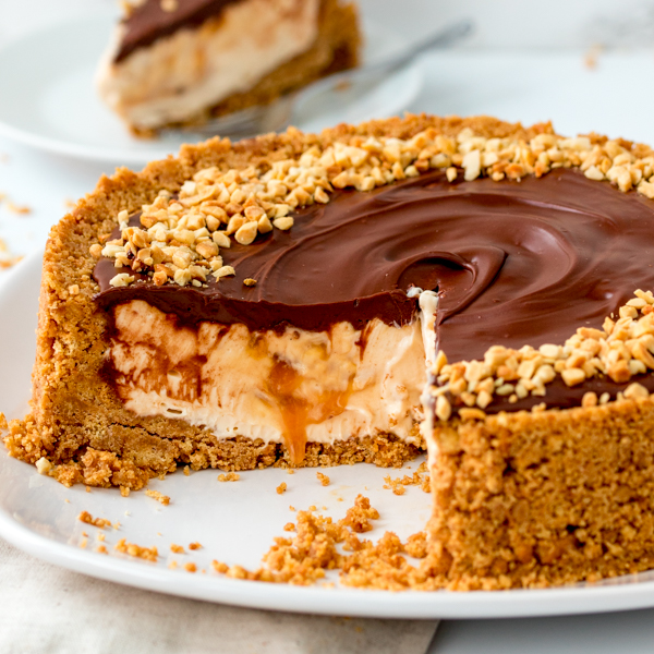 Λαχταριστό cheesecake με nutella κι αλατισμένη καραμέλα