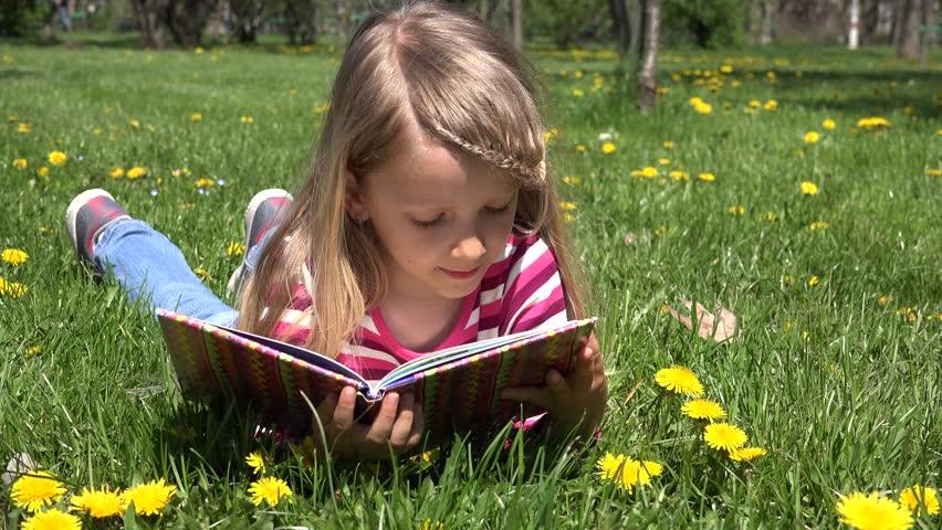 Πρέπει τα παιδιά μας να μελετούν το καλοκαίρι;