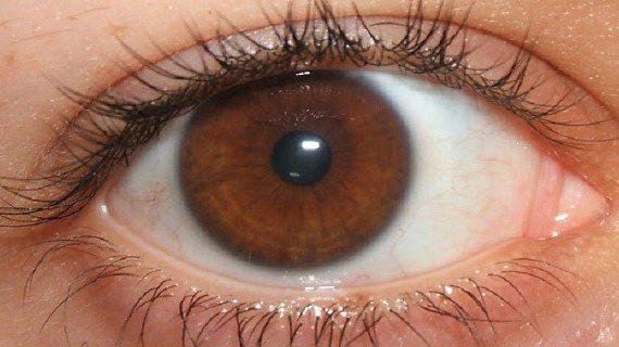 Τι ξεχωριστό έχουν τα άτομα που έχουν καστανά μάτια;
