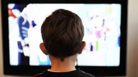 Παιδικές διαφημίσεις στην τηλεόραση τέλος -Θα απαγορευτούν από τις 7 το πρωί