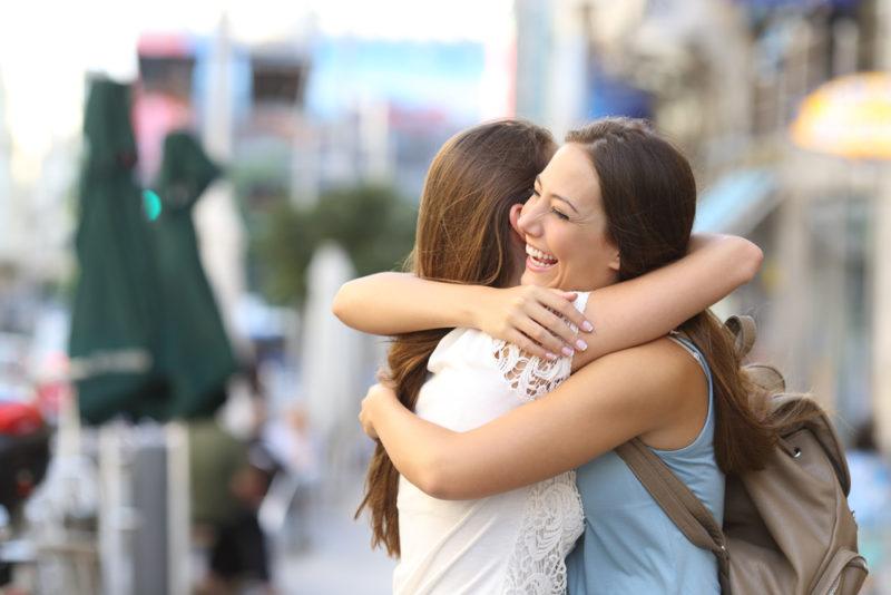 Το να σας αγκαλιάζει κάποιος καθημερινά είναι πολύ σημαντικό.... Δείτε γιατί...