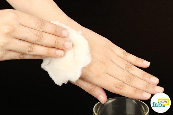 Απαλλαγείτε εύκολα και γρήγορα από τις μελανιές με αυτές τις σπιτικές θεραπείες!