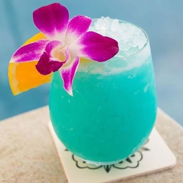 Δροσερό καλοκαιρινό κοκτέιλ: Blue Hawaiian