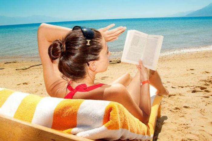 Καλοκαίρι: Μόνο η ομπρέλα δεν αρκεί στην παραλία