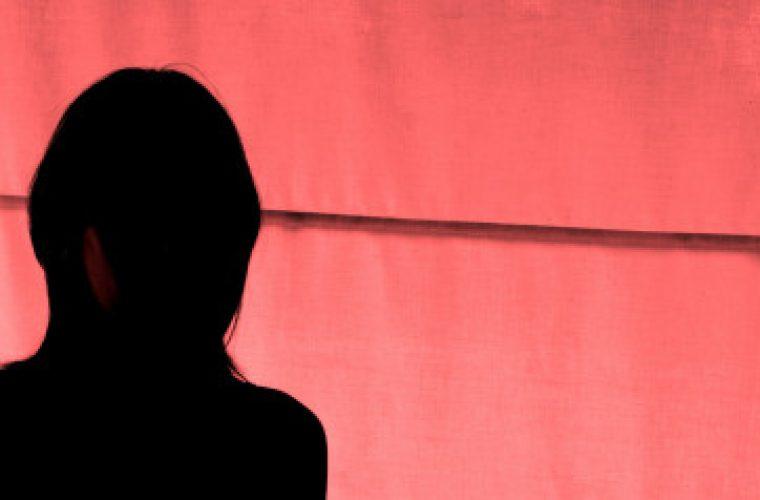 Κέρκυρα: Με βαρύτατες κατηγορίες προφυλακίστηκε η μητέρα της 15χρονης που φέρεται να έπεσε θύμα βιασμού από 55χρονο επιχειρηματία