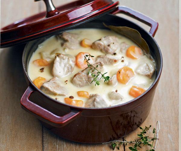 Μοσχαράκι με λαχανικά και άσπρη σάλτσα