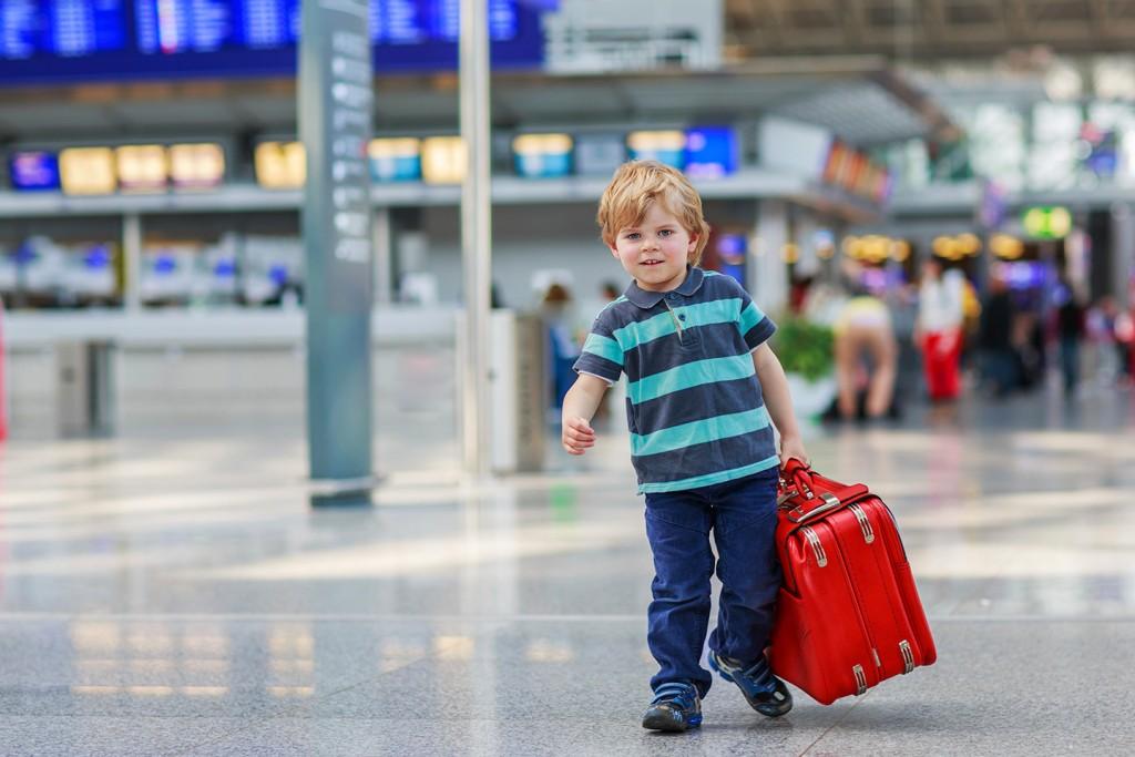 Όταν το παιδί ταξιδεύει μόνο του