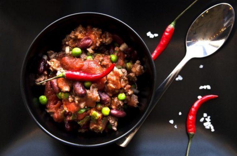5 πολύ καλοί λόγοι που θα σε κάνουν να τρως πικάντικα φαγητά
