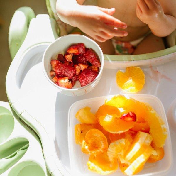 Πώς θα φάει το μωρό ή το νήπιο τα φρούτα