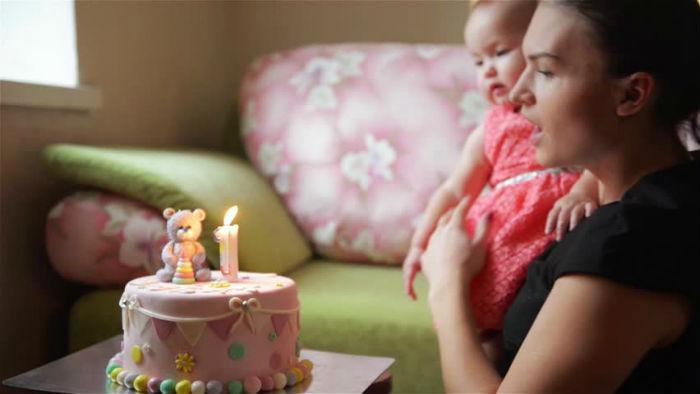 Πώς τα έβγαλα πέρα τον πρώτο χρόνο της μητρότητας: 27 tips βγαλμένα από τη ζωή!