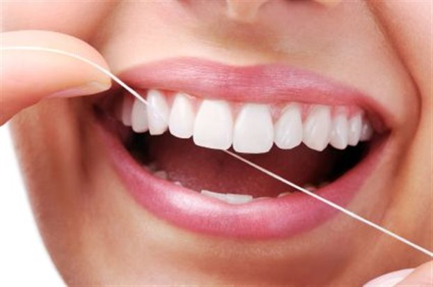 Οι 9 ασυνήθιστες χρήσεις του οδοντικού νήματος στο σπίτι που δεν γνωρίζατε