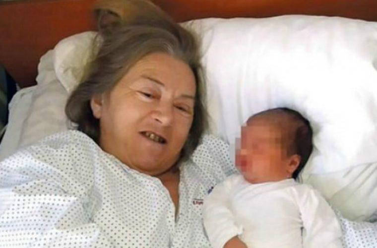 Έκανε παιδί στα 60 της μετά από 20 χρόνια προσπαθειών κι ο άντρας της την παράτησε (εικόνες)
