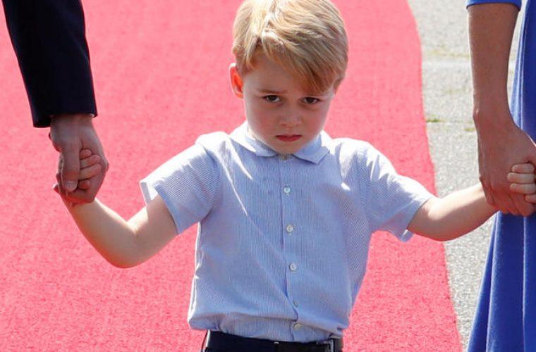 Γιατί ο πρίγκιπας Τζορτζ δεν χαμογελάει ποτέ και είναι πάντα θλιμμένος