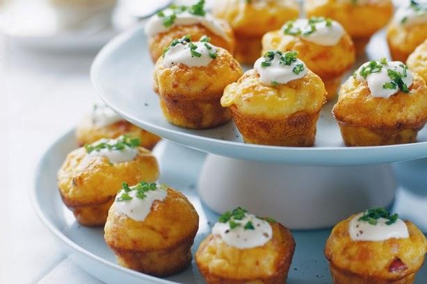 Συνταγή για μπουφέ: MUFFINS  με τυρί και μπέικον φριτάτα!