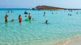Ηράκλειο: 40χρονος χάιδευε κοριτσάκι μέσα στη θάλασσα – Τον κατάλαβαν οι γονείς